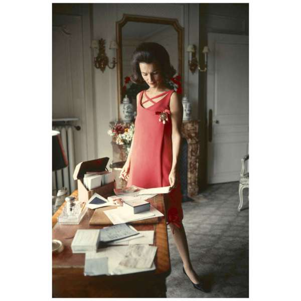 Mark Shaw Editioned Photograph-Lee Radziwill in Dior Coral Dress, 1960. © Mark Shaw / mptvimages.com